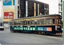 函館の街を走って60余年 希少価値となった500形路面電車