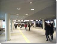 札幌駅前通地下道が完成して一ヶ月、日本一長い繁華街通路を目指してみてはどうか