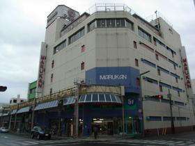 昭和パワー炸裂 花巻「マルカンデパート」大食堂