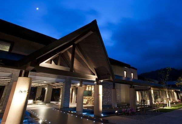 鶴雅が支笏湖観光ホテル跡地に「しこつ湖鶴雅リゾートスパ水の謌」を開業