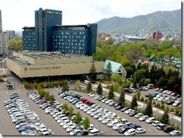 札幌市中心部で駐車場が無料・車の出し入れがしやすいホテル一覧